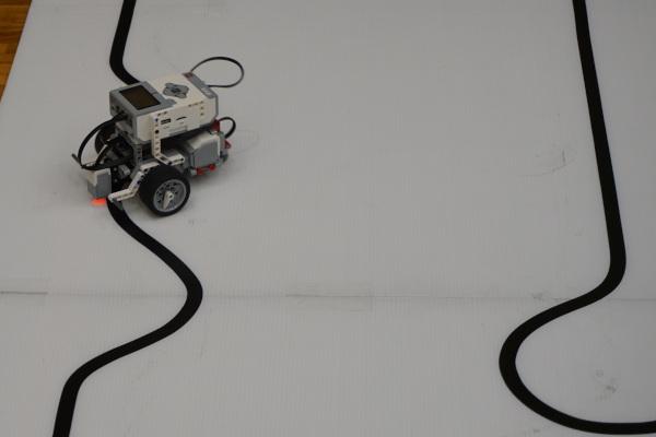 ロボカップジュニア千葉ノード大会非公式競技「ライントレース」